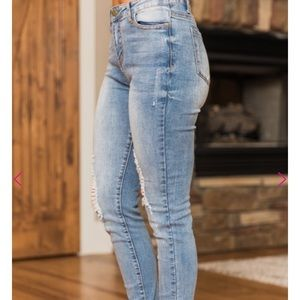 Pink Lily Jeans - The Ashton White Wash Distressed Jeans